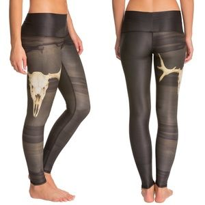 Teeki Deer Medicine Hot Yoga Skull Leggings Medium